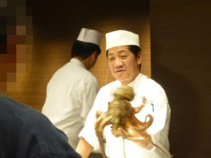 下津井名物蛸の活づくりショー