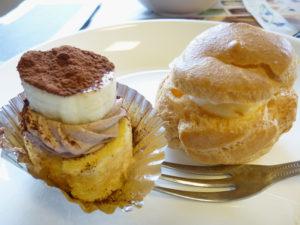バナナケーキとシュークリーム