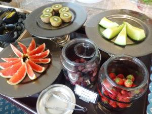 ラウンジ朝食 フルーツ類
