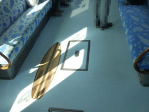 床にボートのイラスト